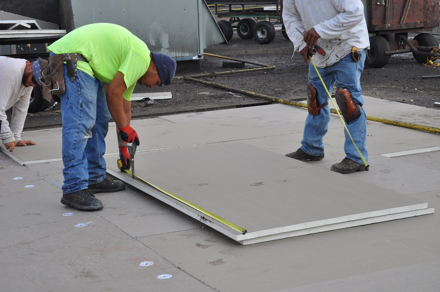 Commercial Roof Installation : Save on energy with bloom s commercial roofing insulation